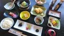 【ご朝食】季節により異なるお料理をご用意しております※イメージ