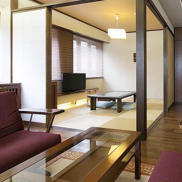 【露付/楓〜kaede〜】高pH温泉が源泉で楽しめる、洋間+和室8畳のお部屋です。