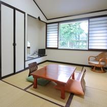 【客室一例】洋室以外にも和室のご用意もございます。たたみでゆっくりと足を延ばすのも◎