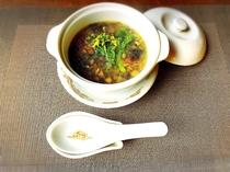 根野菜の薬膳スープ