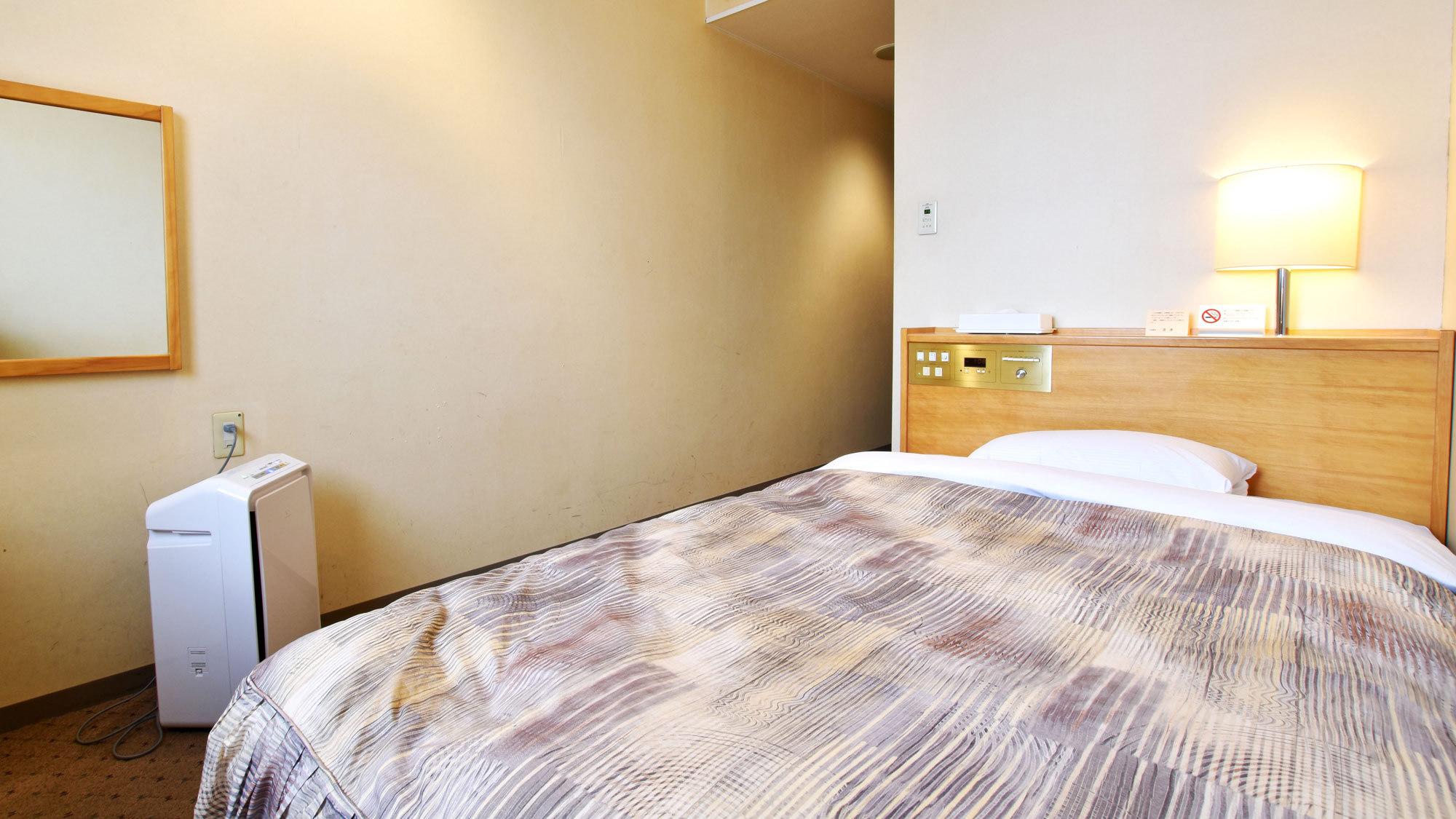 【シングルルーム】☆ベッド幅120cm。シンプルなお部屋です。