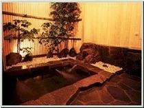 風呂(鉄平石と檜の貸切風呂)