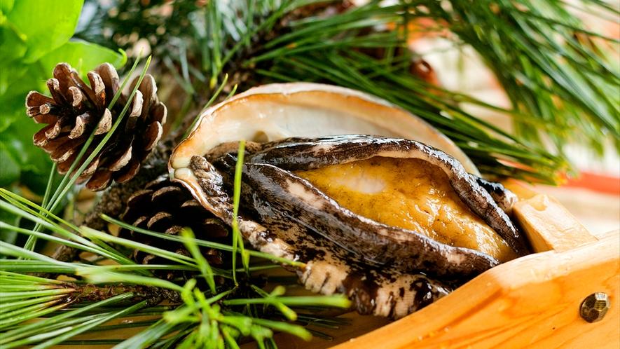 ■あわび☆鮑日本海を一望できる当館では、もちろん新鮮で美味しい【海の幸】をお客様のもとへ届けます♪