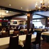 【レストラン・クッチーナ・本館2F】窯焼きピザやパスタ、アラカルトなどイタリアンレストラン。