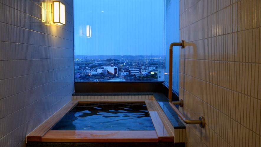 【653号室・雪白~せっぱく】和洋スイートルーム 天然温泉100%内風呂付の一例