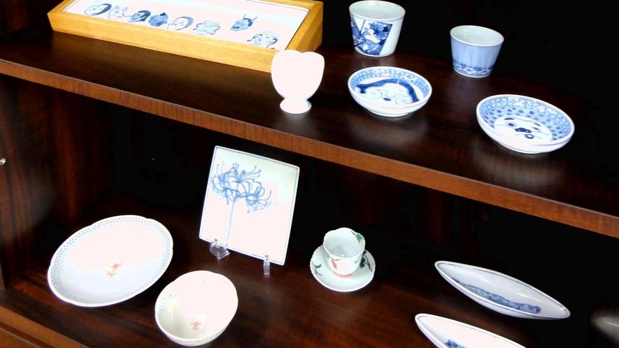 【九谷焼ギャラリーcoco】九谷焼の絵付け体験が出来ます。旅の想いでにいかがですか?