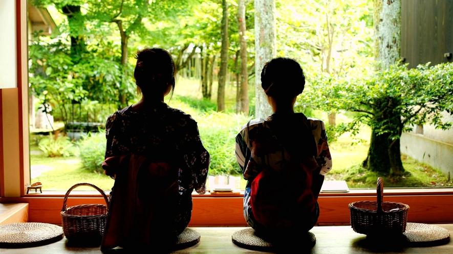 【魯山人寓居跡いろは草庵】風情あふれる庭園を眺めて・・・