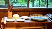 【九谷焼窯跡展示館】九谷焼の絵付け体験も出来ます。旅の想いでにいかがですか?