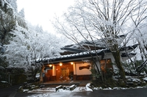 雪景色【正面玄関/ライトアップ】