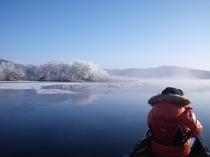 厳冬のカヌー