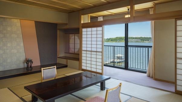 【禁煙】角部屋和室12.5畳<紫水館:湖畔絶景>