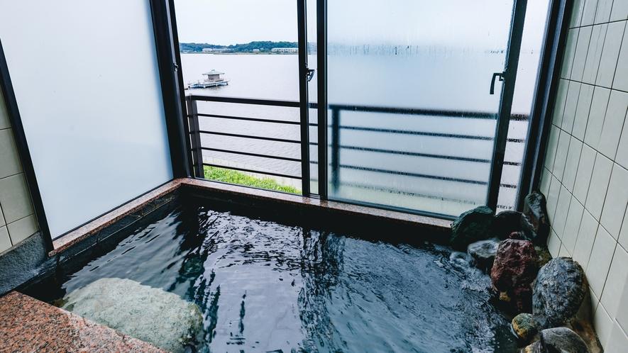 温泉岩風呂付客室