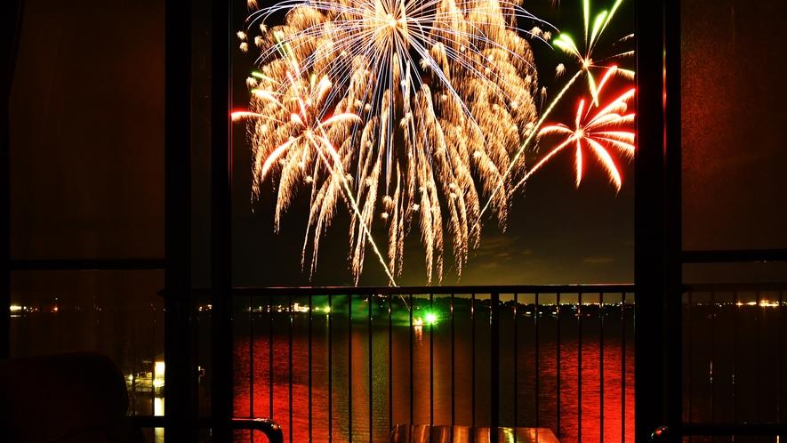 8月1~29日毎夜:紫水館角部屋は花火が目の前