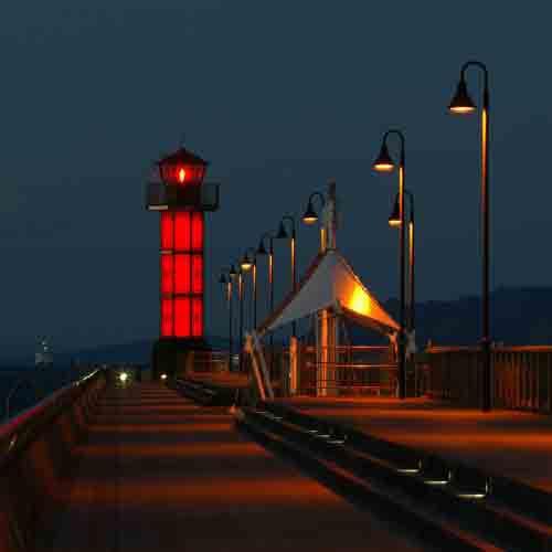 サンポート赤灯台