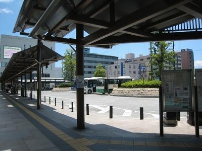 近鉄八木駅南側