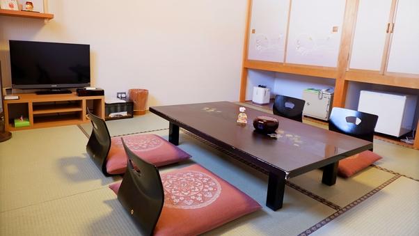 和室8畳(バス・トイレ付)