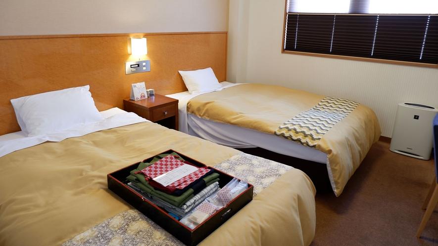 ・【洋室】セミダブルベッドなのでゆったり眠れます。