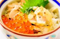 新メニュー!鮭とイクラとタラ丼!