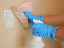 【客室での取り組み】より消毒作業を徹底した客室清掃