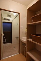 共同シャワー室