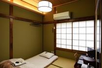 2階4.5畳和室トイレ・バス共同