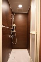お一人様用共同シャワー室
