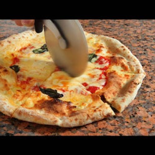 チーズがトロ〜リ♪焼き立てを召し上がれ♪