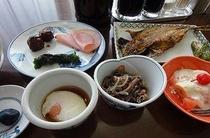 和食を中心とした、毎日、日替わりの御朝食