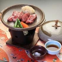 鳥取牛の陶板焼ミニステーキ