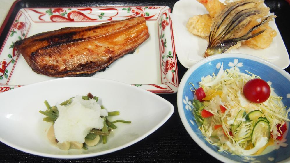 夕食(ホッケ焼き)