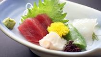 *【夕食(一例)】お刺身には群馬の最高級ニジマス「ギンヒカリ」が並びます。