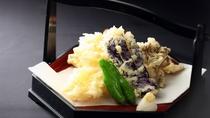 *【夕食(一例う)】その時々の旬の食材を天ぷらに。素材の味をお楽しみください。