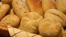 朝食のおいしいパン  ルートインのパンはヨーロッパから直輸入♪