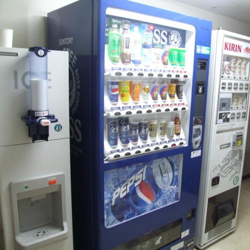 4階・8階にある自販機コーナー