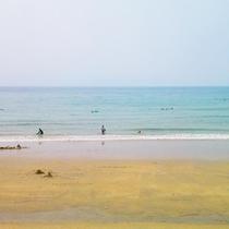 【白鶴浜海水浴場】天然白砂のビーチです当館より車で10分