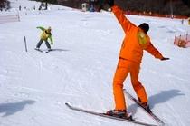 ミッフィースキースクールでスキーデビュー