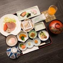 *【朝食一例】朝から元気の出る栄養満点の朝食は食堂にてお召し上がりください。