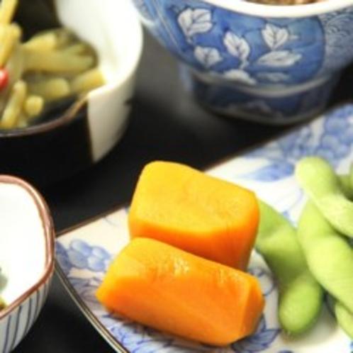 【朝食一例】かぼちゃきゅうり。