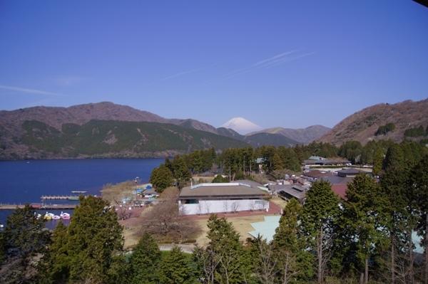標準室 お部屋から望む春の富士