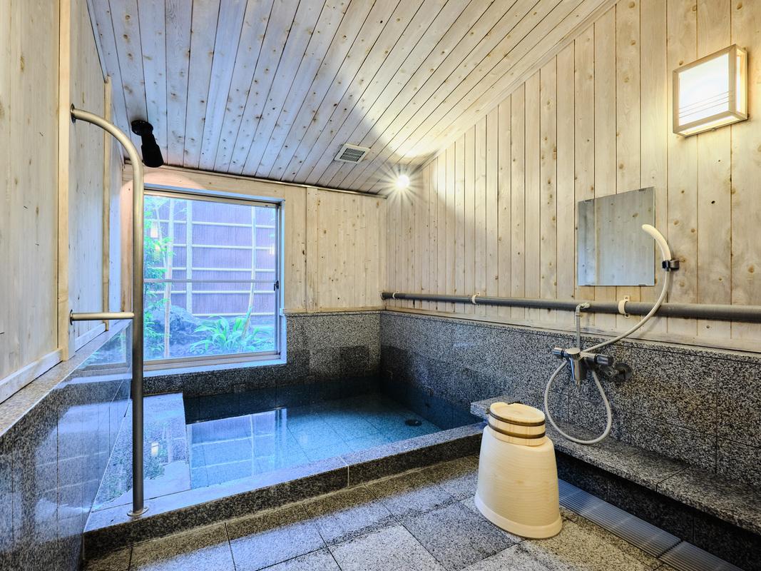 離れの湯 浴室