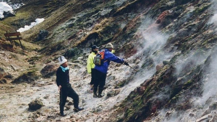 *【ポンポン山】火山群の一部のため、冬でも雪が積もりません。