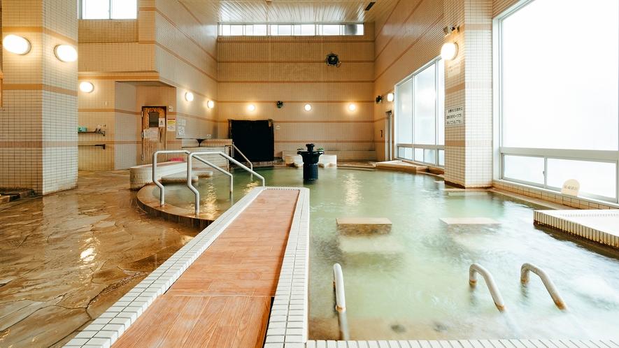 【源泉かけ流し温泉】大浴場
