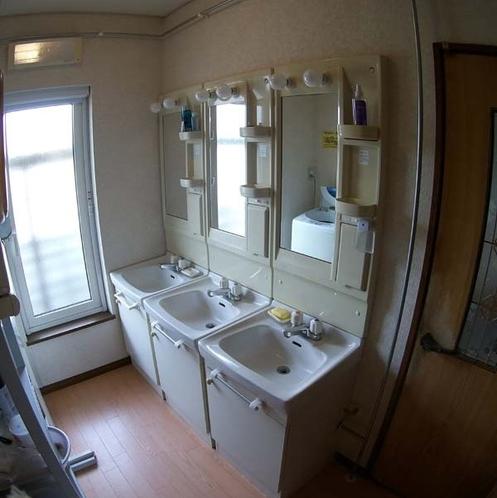 明るい洗面所