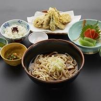 うどん定食(日帰り昼食付プランの食事一例)