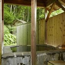 離れ戸建の客室露天風呂(一例)