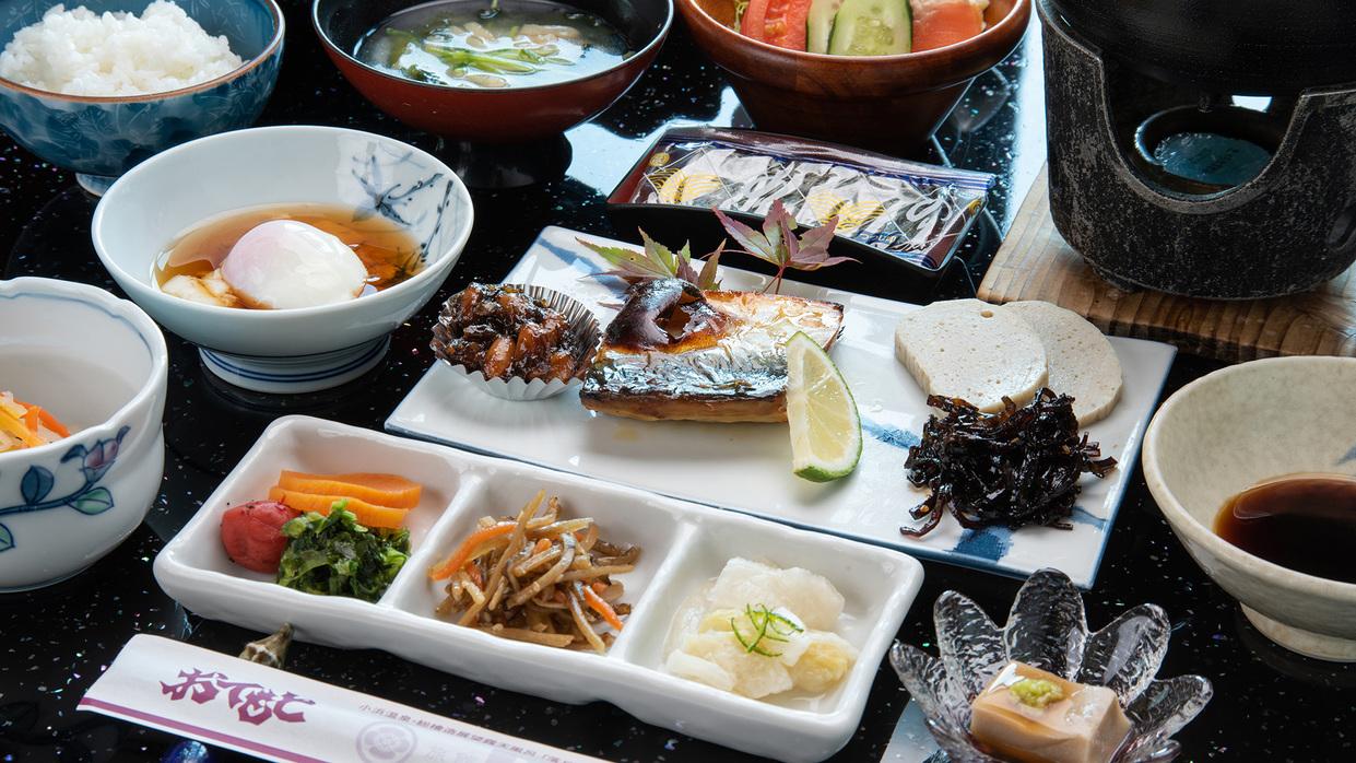 *朝食一例 魚を中心とした和朝食です