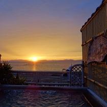 露天風呂からの夕陽
