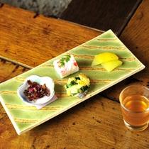 *夕食一例/スタンダードコースは前菜からスタート。季節ごとの味わいをお楽しみください。