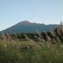 【秋の岩手山(イメージ)】