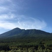 展望ロビーより望む岩手山。